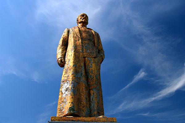 Статуя Дзержинского в Афанасьево (Липецкая обл.)