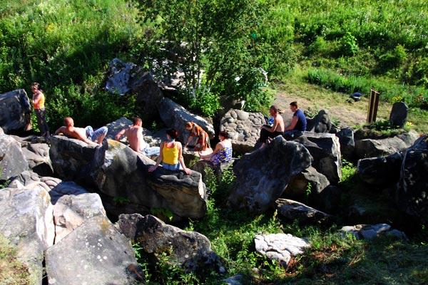 Камни Верхососенского святого источника