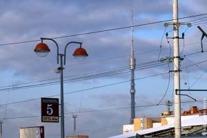 Останкинская телебашня. Март 2011 года, вид со стороны Савёловского вокзала.