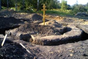 Строительство храма в селе Троицкое.