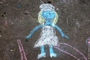 Девушка с голубой кожей.
