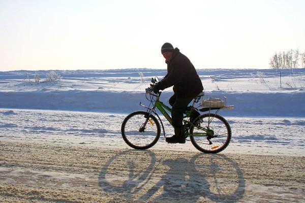 Велосипедист при -18С.