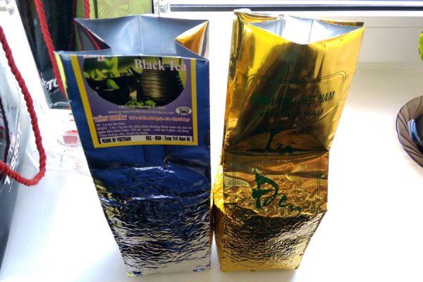Две пачки вьетнамского чёрного чая