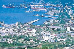 Туапсе — крупный порт и курортный центр Краснодарского края
