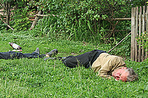 Послеполуденный сон сельских тружеников.