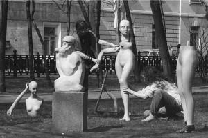 Стихийный перфоманс в сквере напротив МХАТ (1988 год)