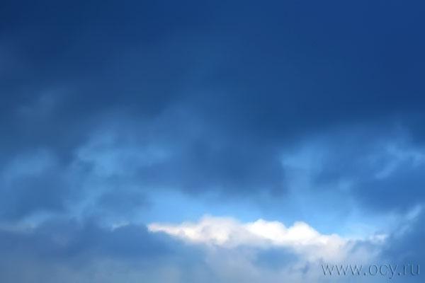 Облако за аэропортом Шереметьево. 16 апреля 2010 года, 17:24 мск.