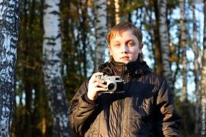 Никита с фотоаппаратом ФЭД
