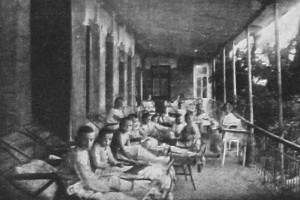 Отдых на свежем воздухе. Анапа, 1925 год.