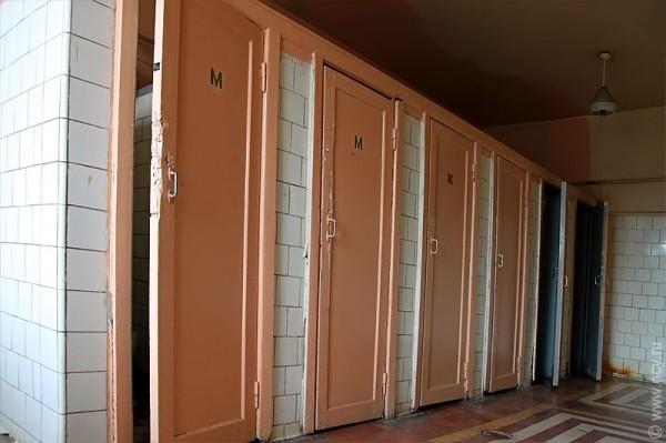Туалет в Доме Офицеров Курского гарнизона.
