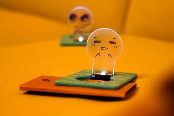 Светильник-визитка Wallet Card Light.