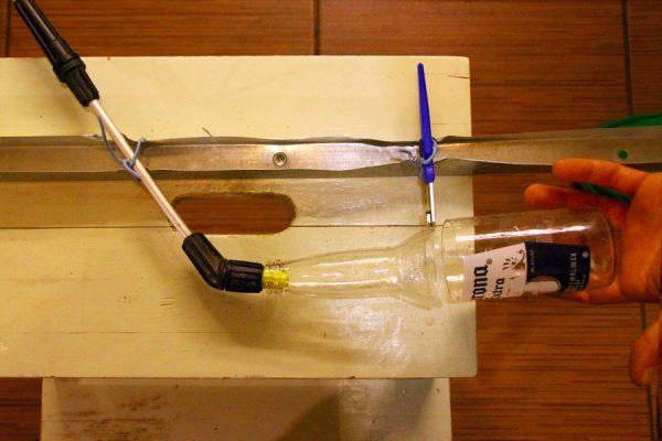 Станок для приготовления стаканов из бутылки пива Corona.